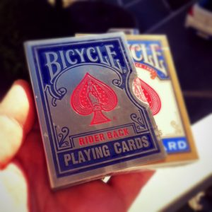 BICYCLE CARD GUARD BLUE. Mazzi di carte, giochi di prestigio, libri e dvd di magia in vendita su http://lassonellamanica.com