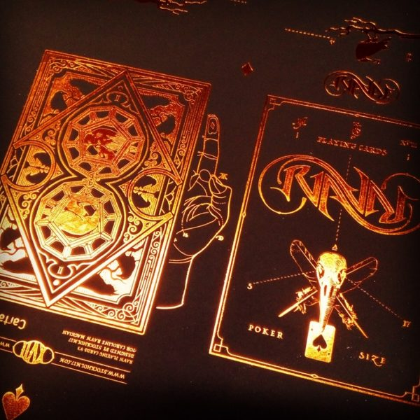 Ravn Sol Playing Cards - LASSONELLAMANICA.COM - Mazzi di Carte, Giochi di Prestigio, Libri e Dvd di Magia. Recensioni, unboxing, tutorial!