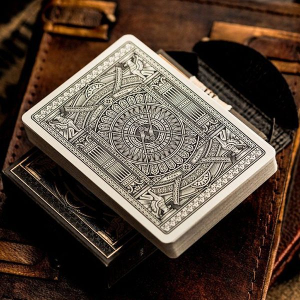 Black Hudson Playing Cards - LASSONELLAMANICA.COM - Mazzi di Carte, Giochi di Prestigio, Libri e Dvd di Magia. Recensioni, unboxing, tutorial!