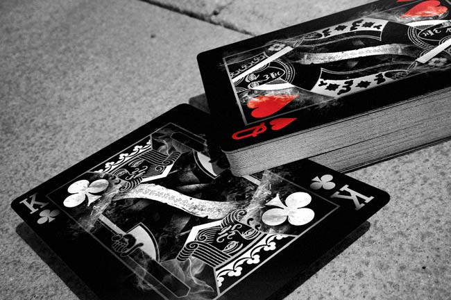 Arcane Black Playing Card - LASSONELLAMANICA.COM - Un Sito, Tutta la Magia! - Figure